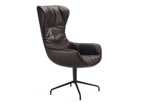 Freifrau Leya Executive Wingback Chair