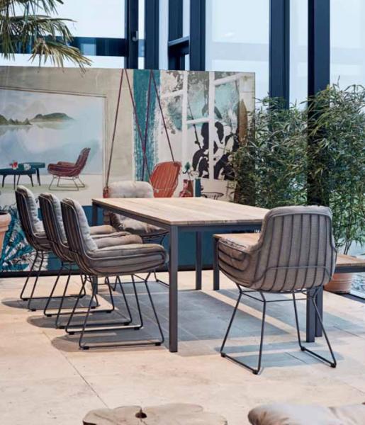 4x Freifrau Leyasol Armchair Low & Janua Tisch Outdoor